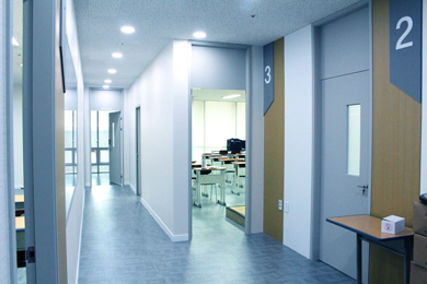 4층 교육장 복도 사진